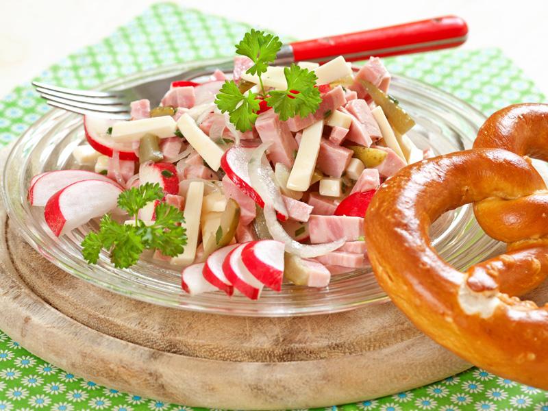 Mäsový šalát so zeleninou