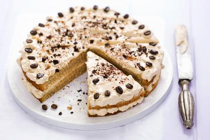 Jemná torta s kávovou šľahačkou
