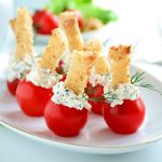 Plnené rajčiny bylinkovým tvarohom
