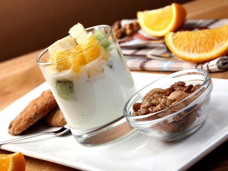 Jogurtový krém s ovocím