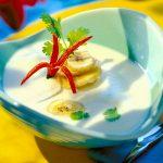 Kokosová krémová polievka s banánmi