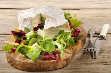 Listový šalát s plesňovým syrom