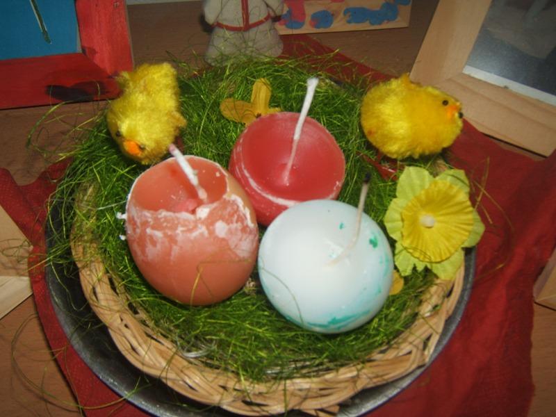 sviečky v tvare vajíčka