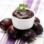 Slivkový džem s vlašskými orechami
