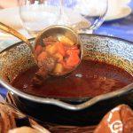 Pikantný kotlík s bravčovým mäsom