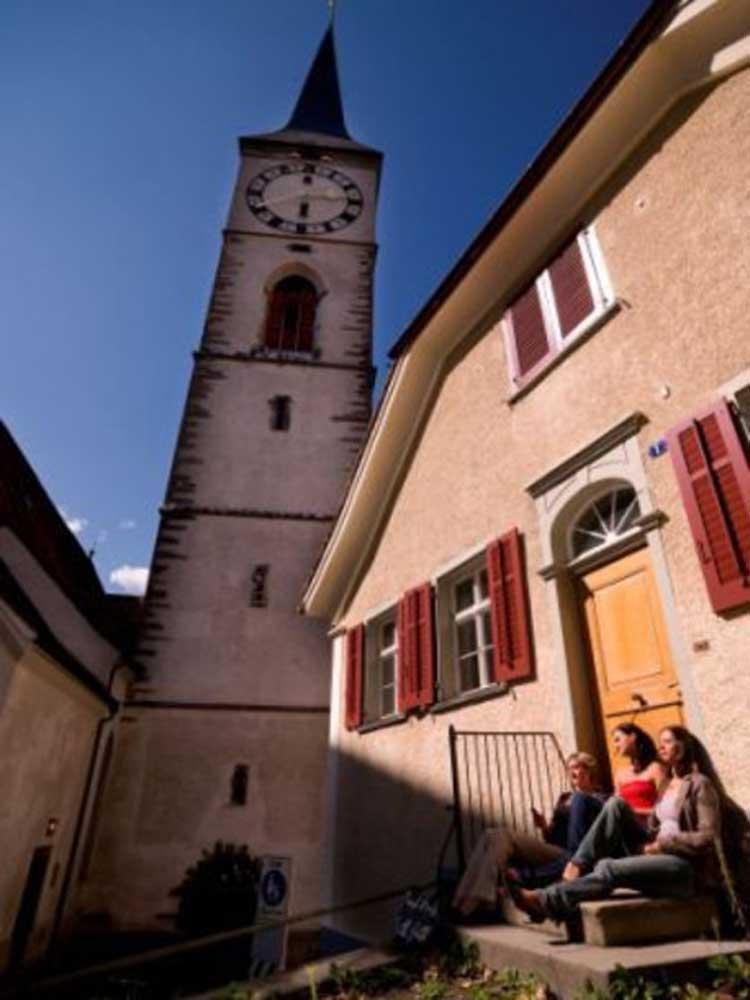 Chur, Kostol St. Martinskirche a námestieMuseumsplatz © Chur Tourismus Andrea Badrutt