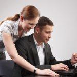 Môžete spolu žiť a pritom pracovať v jednom zamestnaní?