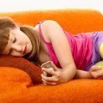 Je mobil v rukách dieťaťa zbytočný luxus?