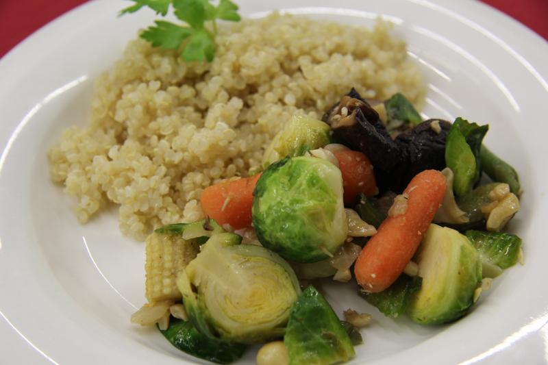 Rychlosmazena zeleninova zmes s quinoa
