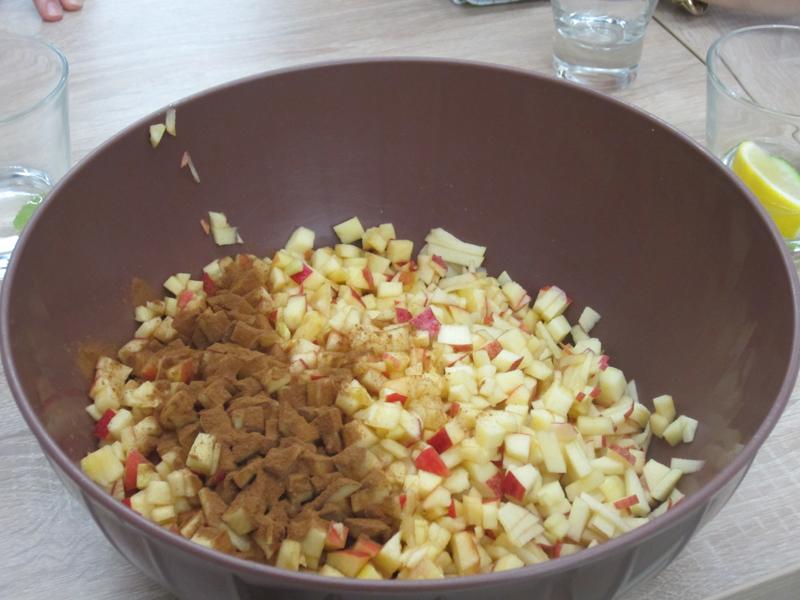 Jablkovo datlovy trifle