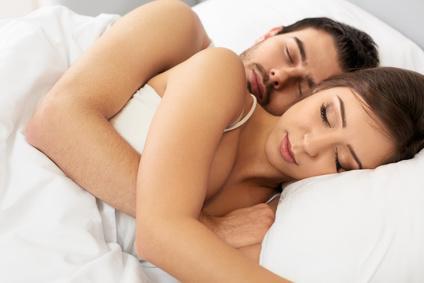 Partneri v posteli