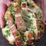 Cibuľový chlieb so syrom