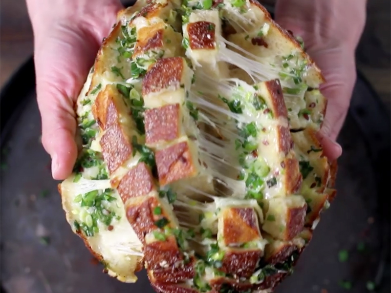 chlieb so syrom