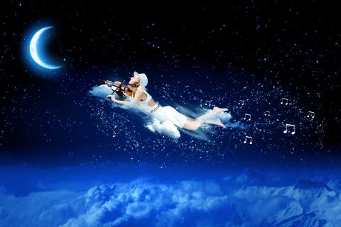 Mesiac a obloha dreamstime_xs_42065680