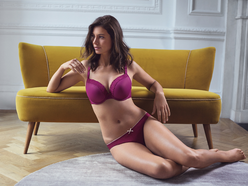marks-and-spencer-27885_SHOT10_605 - DD+ Isabella Lace Bra