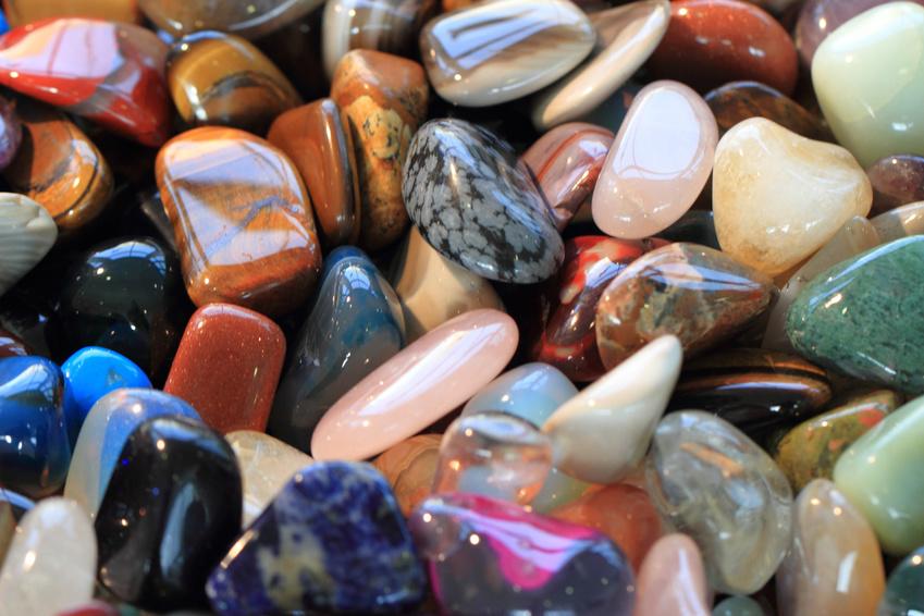 o čarovných kameňoch