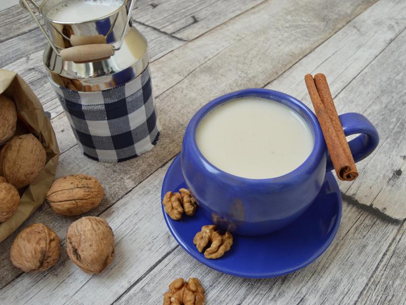 RAW Mlieko z vlašských orechov