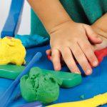 Ako zabaviť dieťa a neurobiť pritom neporiadok?