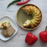 Vaječná raňajková bábovka s paprikou a syrom