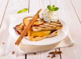 Grilované toasty s jablkovým pyré