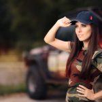 Kaki a vojenská