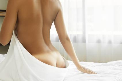 ženský chrbát odhalený
