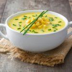 Kukuričná polievka so štipľavou paprikou