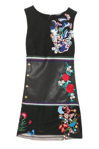 čierne šaty s výšivkou