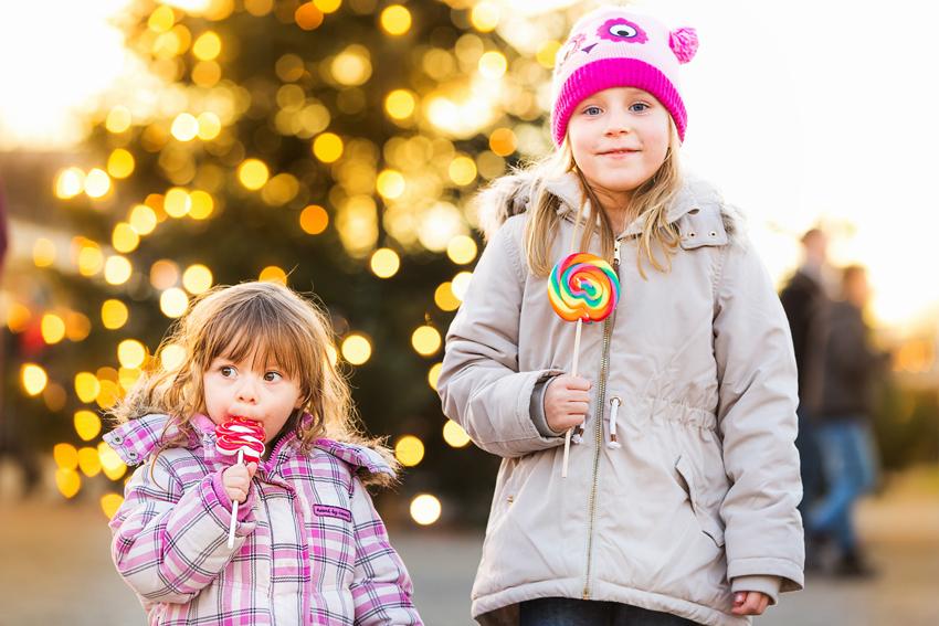 850_Kinder-mit-Lollies-(c)-Astrid-Knie