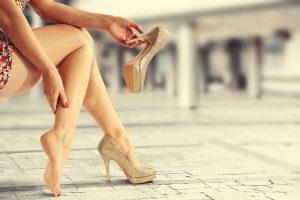 boľavými nohami