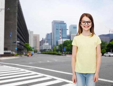 školáčka na ceste