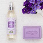 Voňavá fialková hmla rozjasní pleť