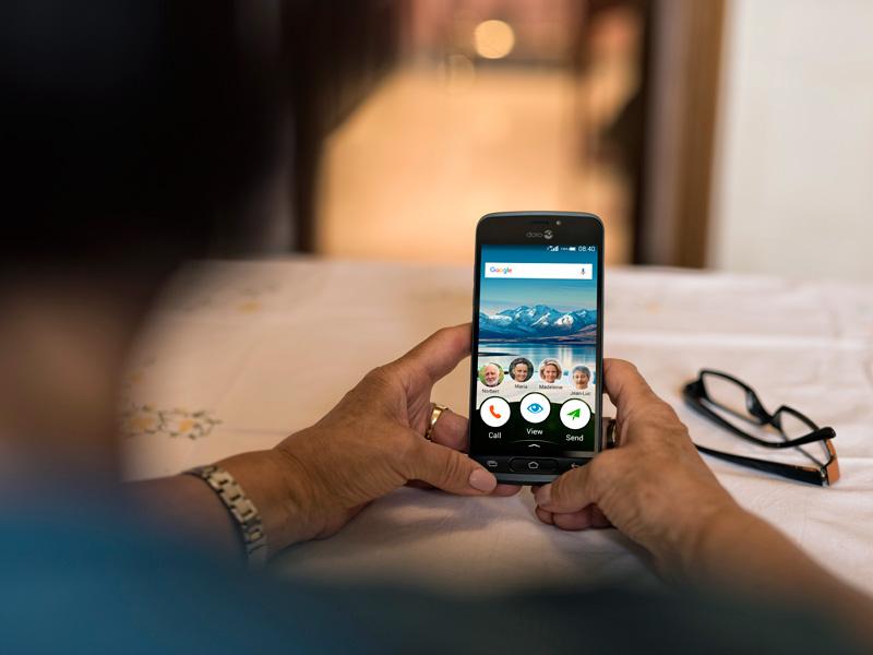 Smartfóny pre seniorov sú skutočným hitom! db9507885e1