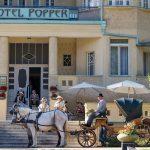 Četníci z Luhačovic a netradičné zážitky v hoteli Popper
