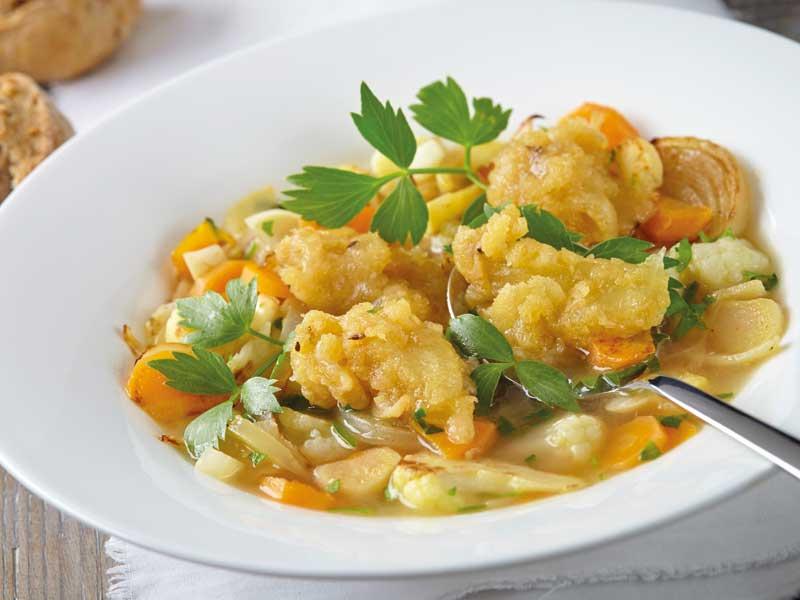 Zeleninová polievka stvarůžkovými knedličkami