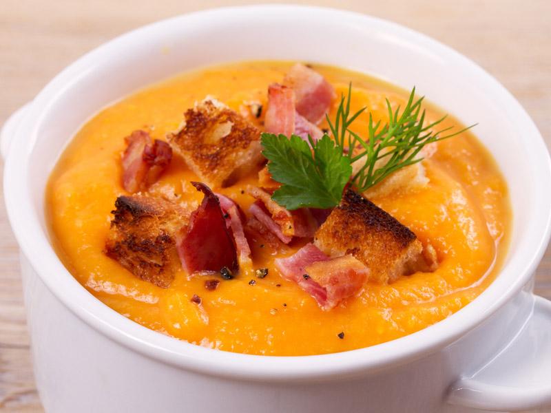 Tekvicová polievka so šunkou