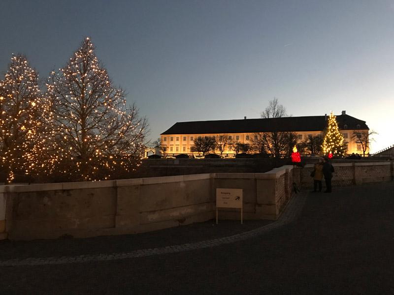Vianočné trhy na zámku Schloss Hof