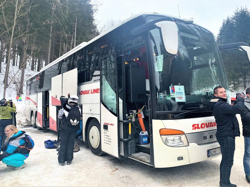 autobus, lyzovacka