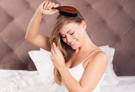 Dlhé vlasy lesbické sex