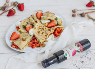Makové palacinky s karamelizovanými jahodami
