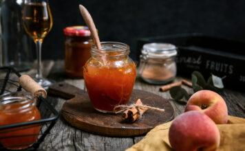Broskyňový džem s brandy