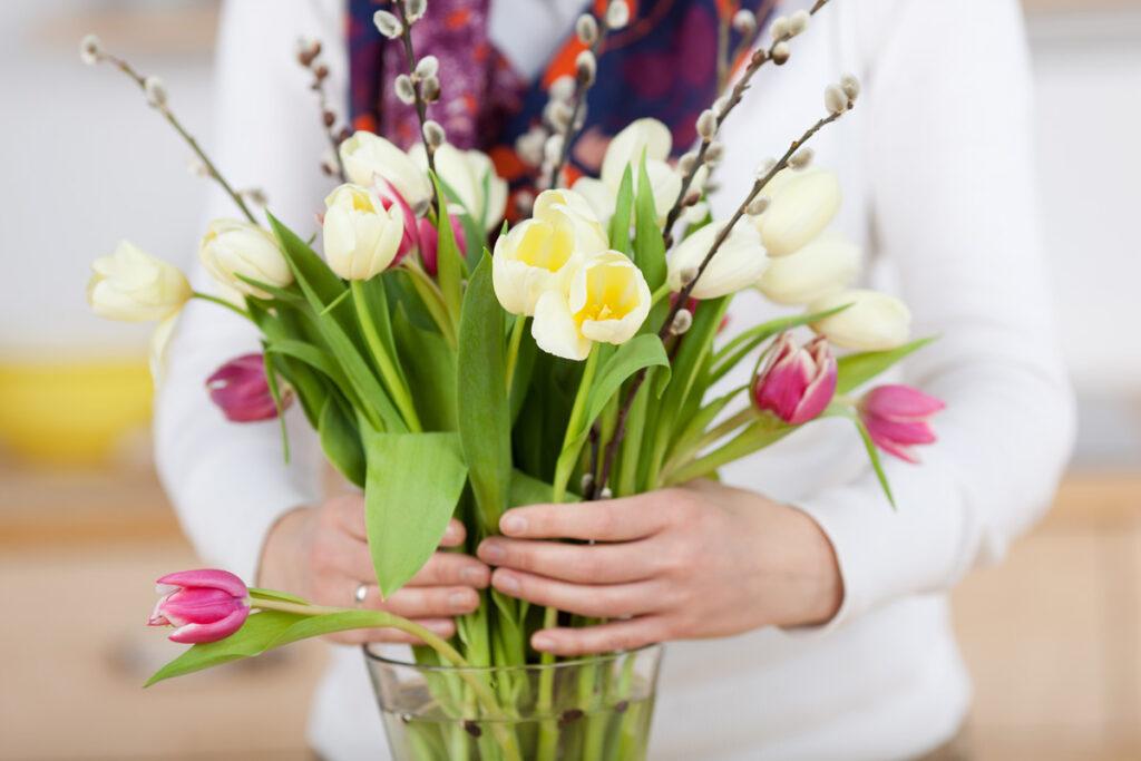 rezané kvety v interiéri